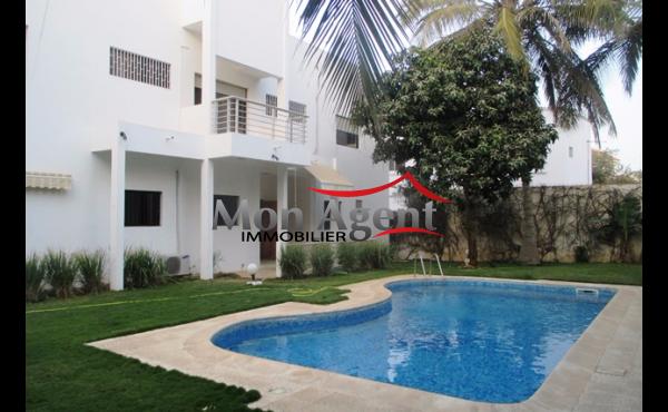 Maison avec piscine vendre dakar almadies agence for Acheter maison senegal